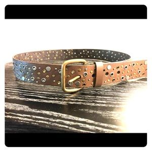 Accessories - Two-tone grommeted belt